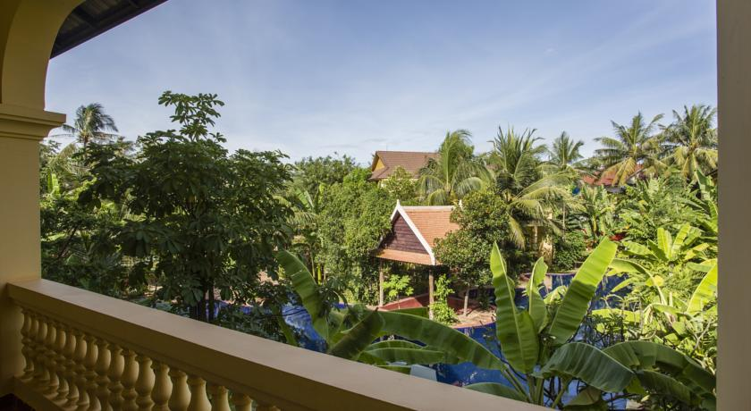 Le jardin d angkor hotel resort book le jardin d angkor for Restaurant le jardin vias